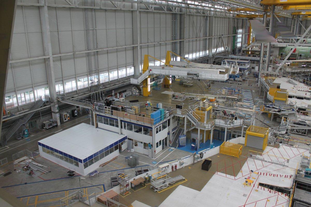 Các nhà máy công nghiệp toàn quốc