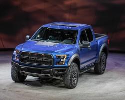 Huyền thoại trở lại Ford F-150 Raptor 2017